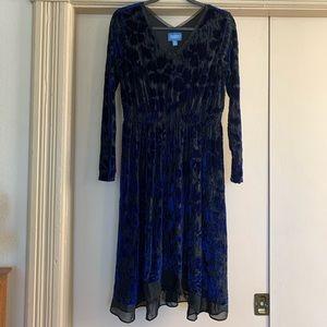 Simply Vera Vera Wang Dresses - Simply Vera Blue Floral Velvet Long Sleeve Dress